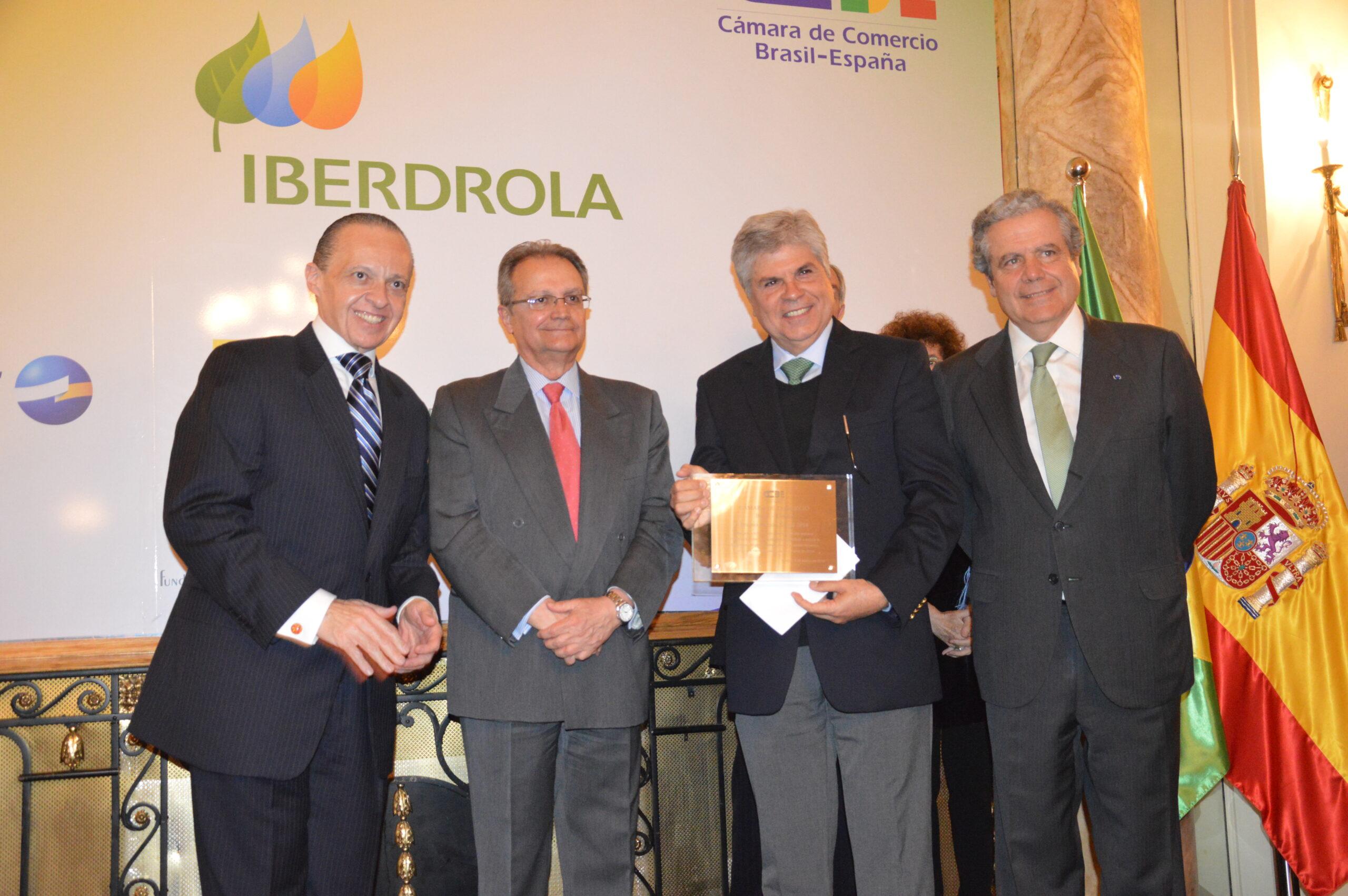 """Antonio Carlos Valente, presidente de la Fundación Everis Brasil: """"El programa PÚLSAR permite cambiar la vida de mujeres"""""""